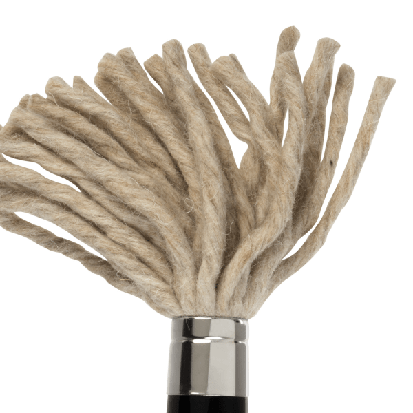 lineo special brush Martin Thomas. The brush is made from cotton and is best for oil and acrylic painting.
