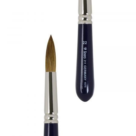 Sharp round travel brush for watercolour painting. Normal hair length. Red sable hair, seamless nickel ferrules, short handles.